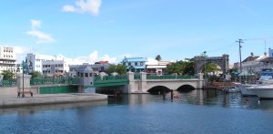 Bridgetown_barbados_chamberlain_bridge